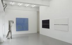 EWERDT HILGEMANN Dancer, 200x50x50cm ANTON LAMAZARES Domus Omnia, 200x190cm PETER RUEHLE London, Geneva, Vienna, all 111x173cm